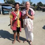 Yasodadulal Dasa pictured with a local man