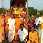Padayatris at the Krishnam Vande Jagat Gurum goshala